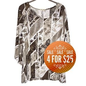 🔥4/25🔥 Brittany Black 1X Floral Abstract Blouse